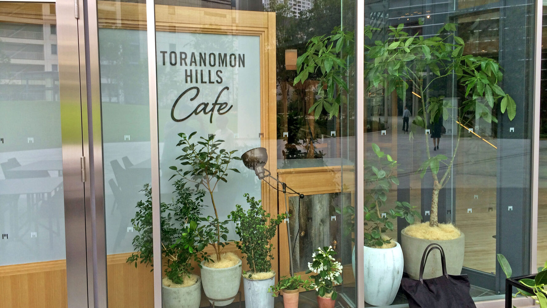TORANOMON HILLS Cafe 事例画像3